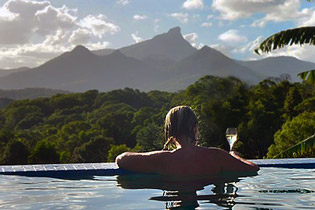 Infinity pool with Wollumbin / Mount Warning views